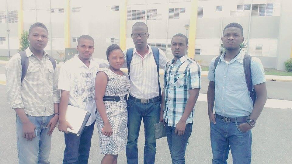 Rency Inson Michel et son équipe dans le campus de Limonade.
